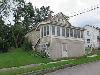 502 16th St, Saxton, PA 16678