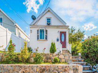 73 Crosby St, Lowell, MA 01852