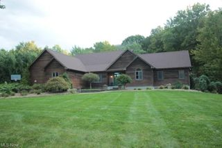 475 Spring Acres Ln, North Lima, OH 44452