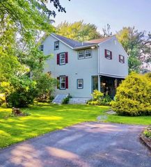 2624 Willow St, Coplay, PA 18037