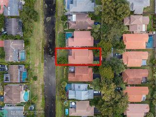 9371 NW 18th Dr, Plantation, FL 33322