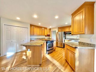 14809 102nd Ave NE, Bothell, WA 98011