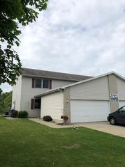 5021 W 92nd Ave, Crown Pt, IN 46307