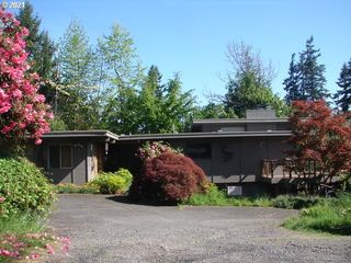3400 View Ln, Eugene, OR 97405