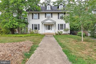 6818 Connecticut Ave, Chevy Chase, MD 20815