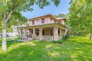 502 Featherston St, Cleburne, TX 76033