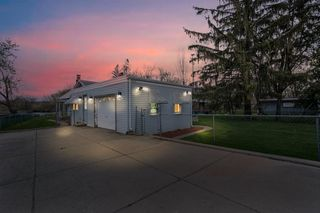 6001 Nippersink Dr, Spring Grove, IL 60081