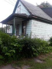 1307 Calumet Ave, Niagara Falls, NY 14305