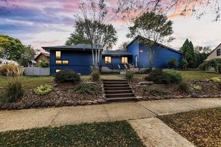 6805 Harvest Hill Rd, Madison, WI 53717