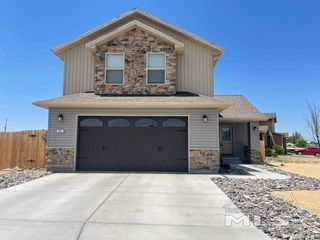 111 Mountain View Dr, Fernley, NV 89408