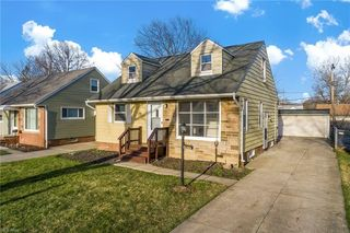 3977 Jo Ann Dr, Cleveland, OH 44122