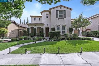 494 W Fauna Ave, Mountain House, CA 95391
