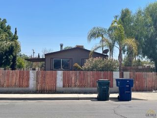 419 E 10th St, Bakersfield, CA 93307