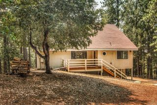 9426 Country Rd, Georgetown, CA 95634