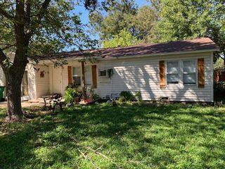 102 W Gibson, Thorndale, TX 76577
