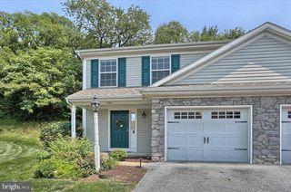 704 Winding Ln, Harrisburg, PA 17111