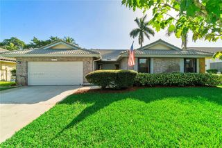 4017 NW 72nd Ave, Coral Springs, FL 33065
