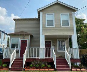 2218 Lafreniere St, New Orleans, LA 70122