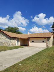 2318 Windchime Dr, Grand Prairie, TX 75051