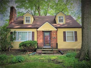 228 Columbia Ave, Elyria, OH 44035