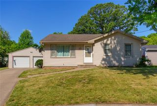 3310 Gleaves Ct, Des Moines, IA 50317