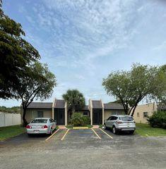 113 Lake Terry Dr, West Palm Beach, FL 33411