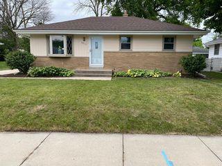8833 W Douglas Ave, Milwaukee, WI 53225