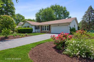 220 Cedarbrook Rd, Naperville, IL 60565