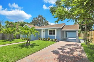 710 W Lakewood Rd, West Palm Beach, FL 33405