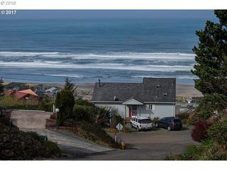 493 Pacific View Dr, Rockaway Beach, OR 97136