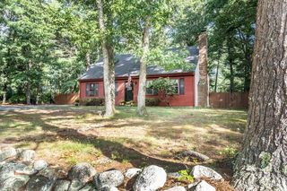 40 Russell Trufant Rd, Carver, MA 02330