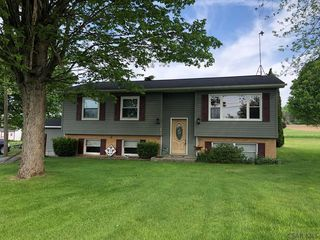 634 Fairview Ave, Sidman, PA 15955