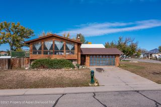 1002 Arnold Ct, Rifle, CO 81650