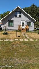 619 Ives St, Buxton, ND 58218