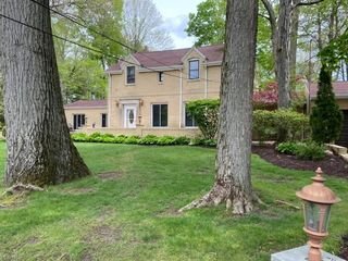 419 Glacierview Dr, Youngstown, OH 44509