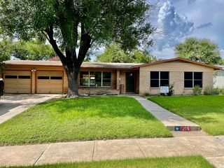 215 Springwood Ln, San Antonio, TX 78216