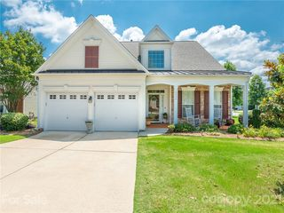 6204 Woodland Commons Dr, Charlotte, NC 28269