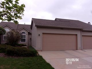 3563 Meadow Grove Trl, Ann Arbor, MI 48108