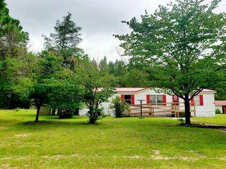 321 Lyons Rd, Smoaks, SC 29481