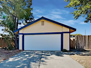 101 Cedar Rock Cir, Sacramento, CA 95823