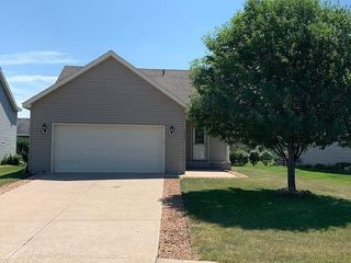 1516 Nuthatch Ave, Sartell, MN 56377