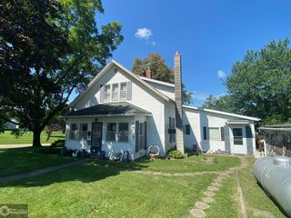 312 S Summer St, Cantril, IA 52542