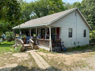 205 Orchard St, Raymondville, MO 65555