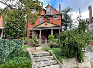 148 Buttles Ave, Columbus, OH 43215