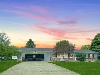 4033 Baumhoff Ave NW, Comstock Park, MI 49321