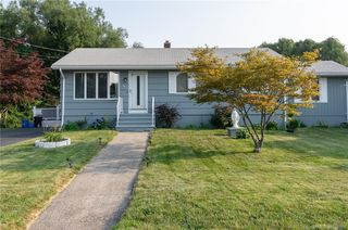 26 Grove St, East Haven, CT 06512