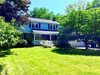 11 Norwick Dr, Youngstown, OH 44505