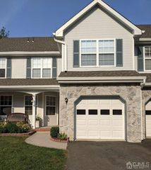 61 Heather Ct, Monmouth Junction, NJ 08852