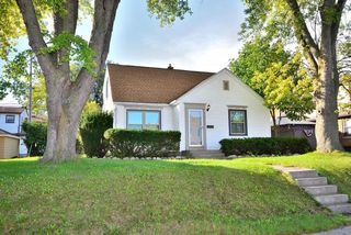 7211 W Lincoln Ave, West Allis, WI 53219