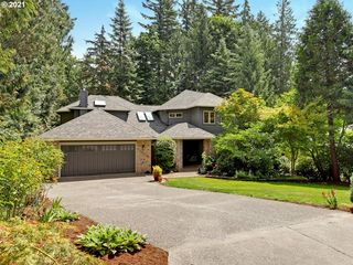 10659 NW Lost Park Dr, Portland, OR 97229